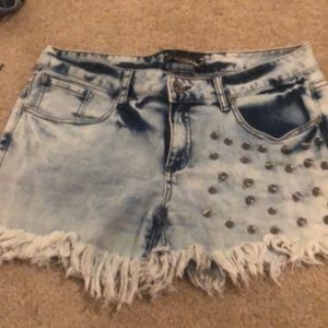 Hot topic shorts